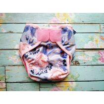 Puppee rózsaszín virágos M méret